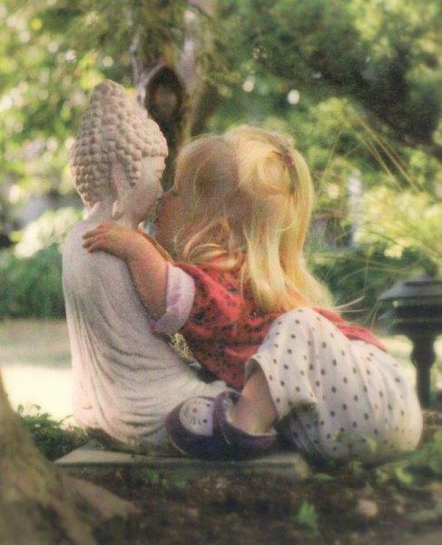 roslin-kissing-buddha1